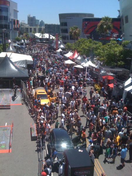 X Crowds